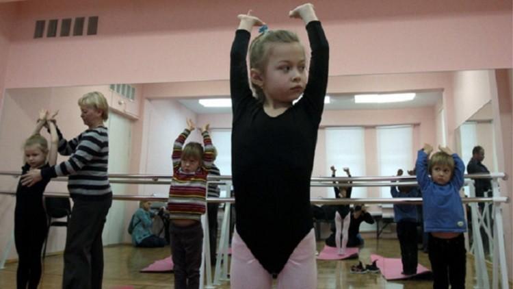 """""""Nunca lo hubiera imaginado"""": La """"impactante"""" educación de los niños rusos, según una estadounidense"""