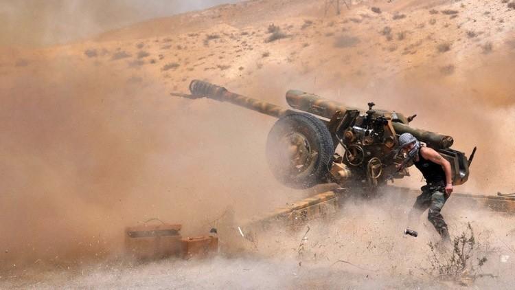 El Ejército sirio respaldado por la Fuerza Aérea rusa lanza una ofensiva contra el Estado Islámico