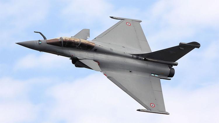 """""""Podía ver al piloto"""": pánico a bordo de un vuelo interceptado por un caza de combate francés"""