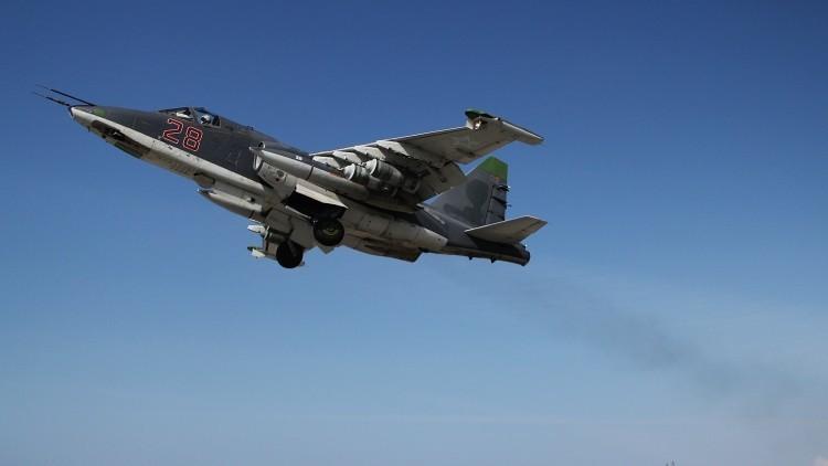 Captan un caza ruso Su-25 calentando motores para arrasar la infraestructura del EI en Siria (Video)