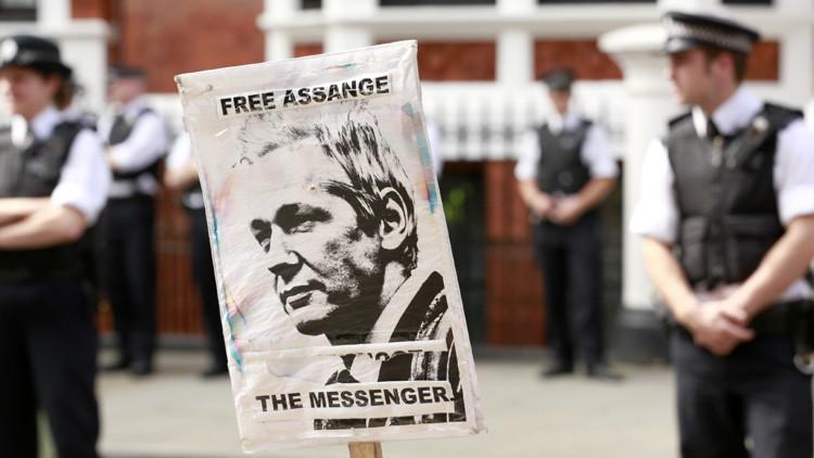Londres se niega a dar un permiso para que Julian Assange sea trasladado a un hospital