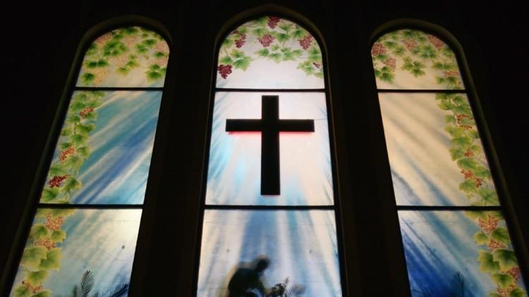 EE.UU.: Sectarios evangélicos matan a un joven a golpes por no confesarse