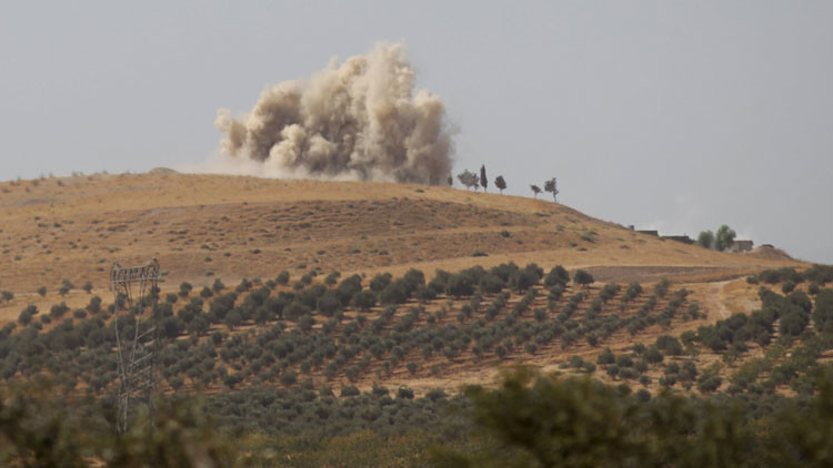 Aviones rusos destruyen en Siria una base de entrenamiento de terroristas suicidas del EI