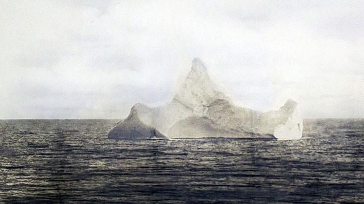 Sacan a subasta imagen inédita del iceberg 'culpable' del hundimiento del Titanic