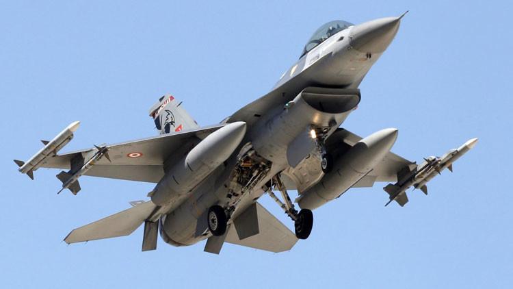 Turquía advierte que derribará a cualquier avión militar que viole su espacio aéreo