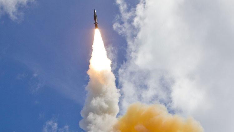 EE.UU. prueba por primera vez un sistema de defensa antimisiles en Europa