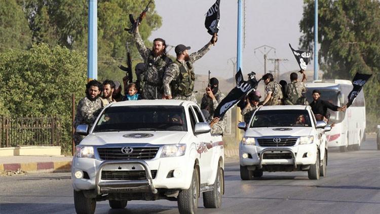 Desfile del Estado Islámico en la provincia siria de Raqqa