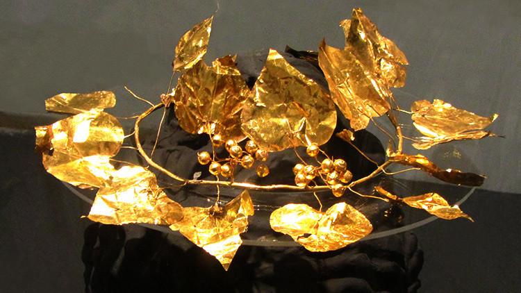 Corona de oro hallada en Chipre