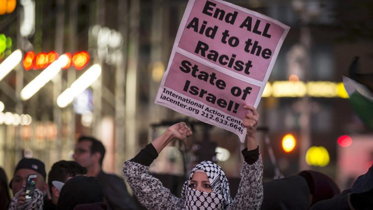 Miles de estadounidenses protestan contra la violencia israelí hacia los palestinos