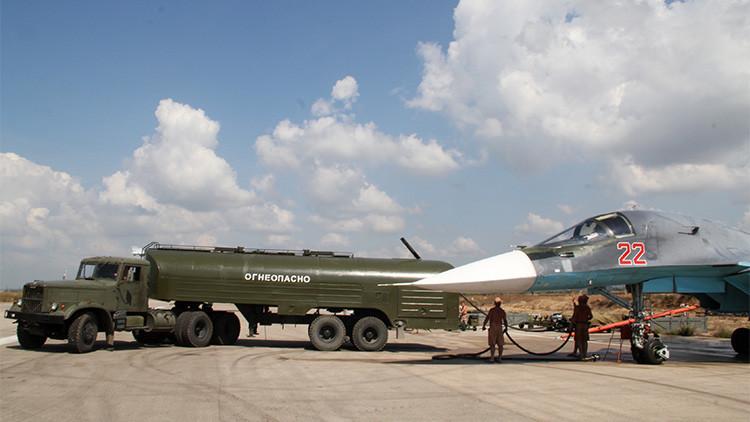 Cazabombardero ruso Su-34 en la base siria de Jmeimim