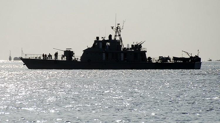 Buques de guerra iraníes llegan a la ciudad rusa de Astracán