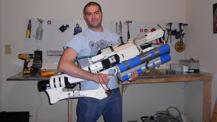 Videos: un civil crea mediante 3D el primer cañón de riel portátil, que dispara a 900 km/h