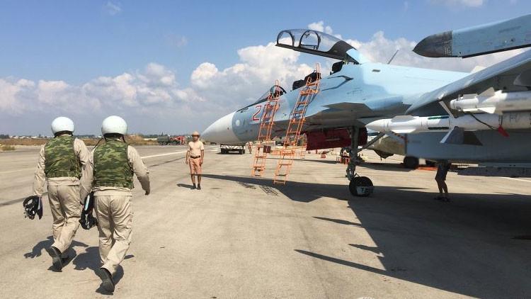 """""""Ni una foto antes del vuelo"""": Las supersticiones de los aviadores rusos en Siria"""