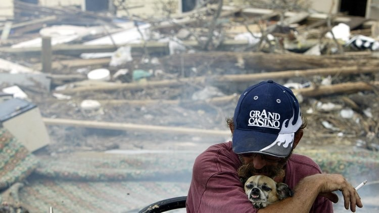 ¿Por qué los huracanes con nombres femeninos son más mortíferos?