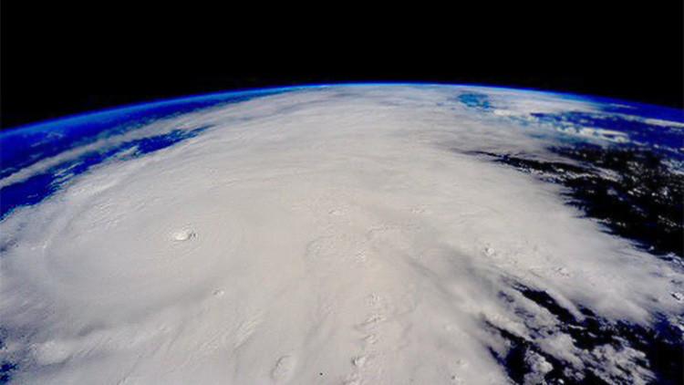 Infografía: ¿Qué hay que hacer mientras se acerca el huracán Patricia a México?