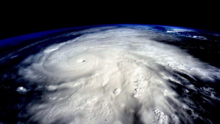 Video: La dimensión del temible huracán Patricia vista desde el espacio