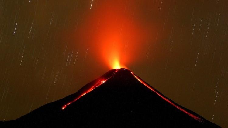 El huracán Patricia deslizará ceniza del volcán Colima y podría sepultar a varios pueblos