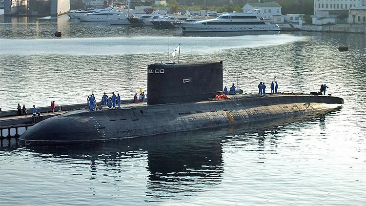 Sale a flote el punto fuerte del submarino ruso 'Agujero Negro'