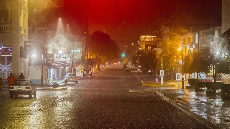 Videos, fotos: El monstruoso huracán Patricia a su paso por México