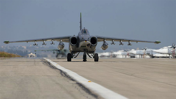 Los ataques aéreos rusos contra los terroristas son bien acogidos por los refugiados sirios