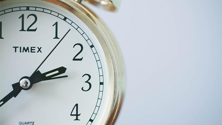 ¿Cómo afecta el cambio horario a un organismo humano?