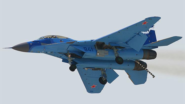 Video: Primeros ensayos de los nuevos cazas MiG-29K en Rusia