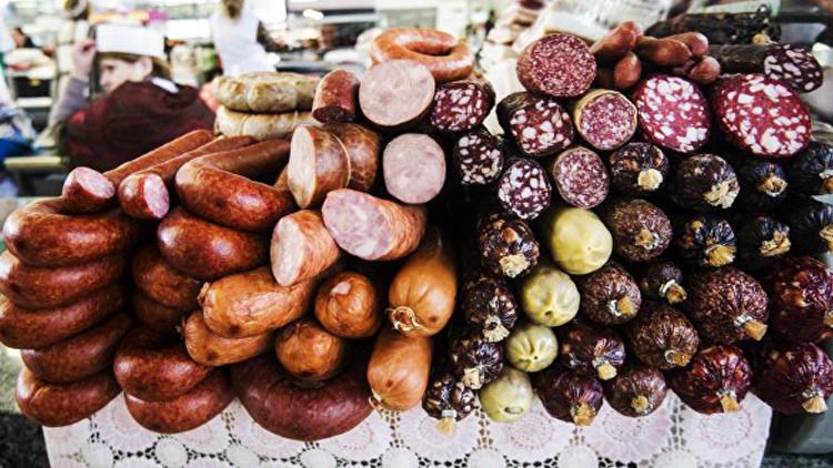 La OMS: Salchichas, jamón y la carne roja pueden causar cáncer