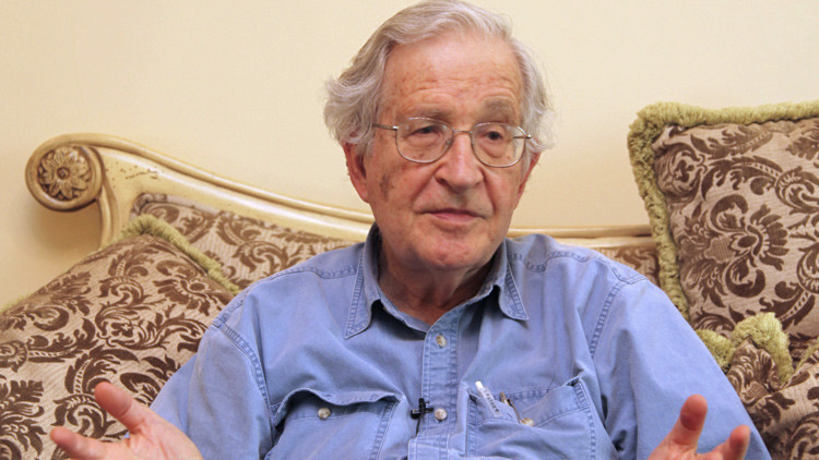 Noam Chomsky, en el curso de una entrevista concedida a Reuters en Amán el 17 de mayo de 2010.