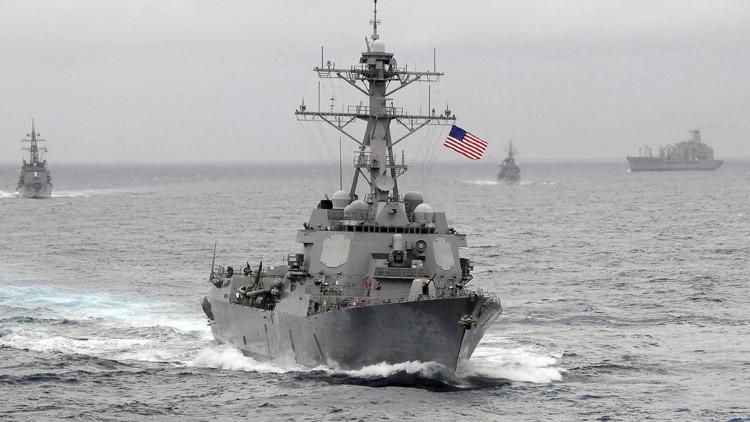 Destructor estadounidense USS Lassen en aguas del océano Pacífico.