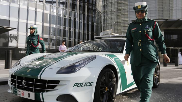 Patrulla policial en Dubái