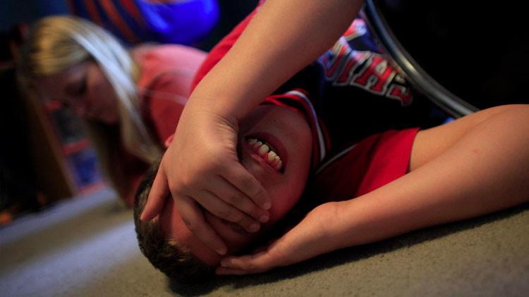 """Estudios: La """"hormona del amor"""" oxitocina en spray nasal podría ayudar a los niños con autismo"""