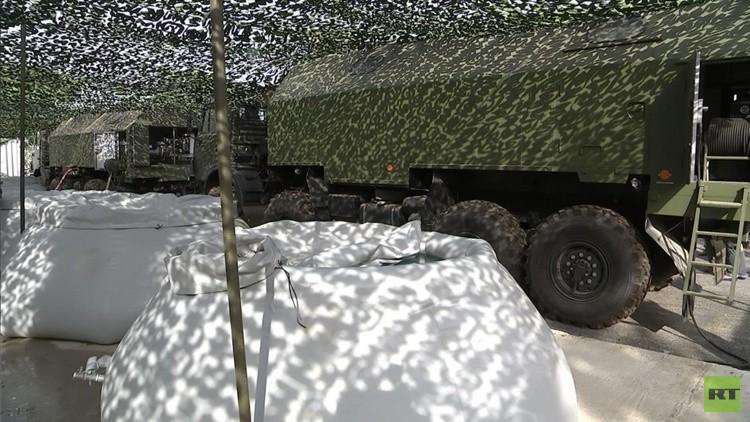 VIDEO: Militares rusos revelan cómo limpian el agua en su base aérea en Siria