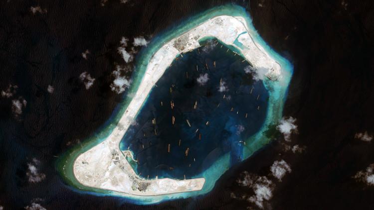Así son las controvertidas islas artificiales de China