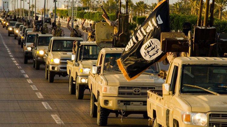 """Cancillería rusa: """"Los terroristas del EI ya saben producir agentes para la guerra química"""""""