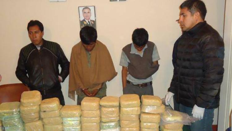 Conmoción en Perú: un jefe antidrogas y otros 5 agentes, detenidos con 20 kilos de cocaína
