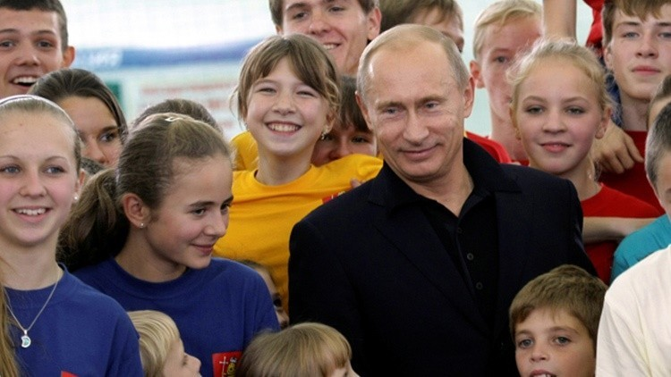 Putin crea un análogo del Movimiento de Pioneros de la Unión Soviética