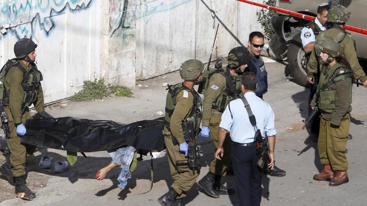 FUERTES IMÁGENES: La Policía israelí dispara 11 veces contra un joven palestino