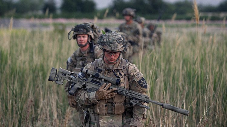 Soldados estadounidenses patrullan el distrito de Zharay en la provincia de Kandahar, al sur de Afganistán.