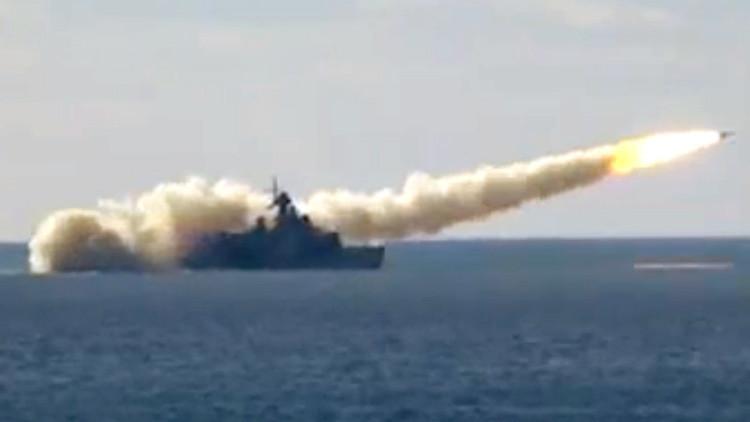 El Ministerio ruso de Defensa divulga un video de ensayos militares en Crimea