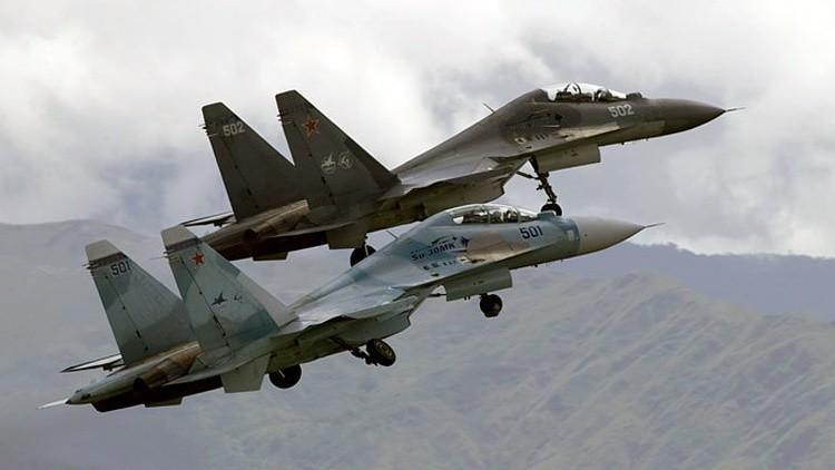 Dos cazas Sukhoi Su-30