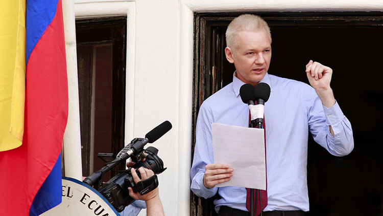 """Assange: Google es un """"arma secreta"""" de Hillary Clinton"""