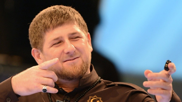 Kadýrov: Los terroristas del EI se entregan a las autoridades o huyen del país por el operativo ruso