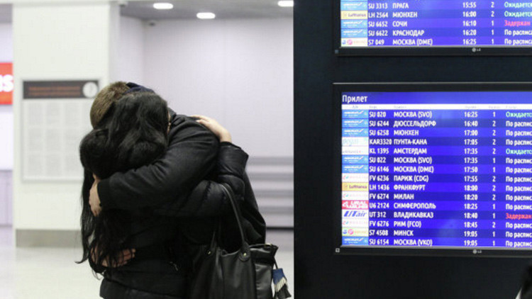 Medios: El avión accidentado ruso ardió en el pleno vuelo
