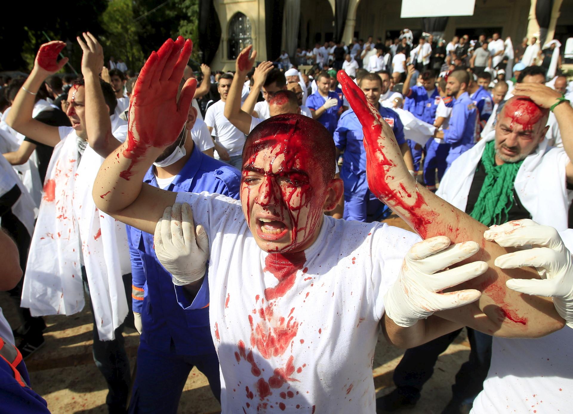La celebración de la fiesta de la Ashura en Nabatieh, El Líbano, el 24 de octubre de 2015