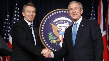 El expresidente de Estados Unidos George Bush y el ex primer ministro británico Tony Blair.