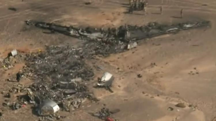 Video: Primeras imágenes aéreas sobre los restos del Airbus A321 siniestrado en Egipto