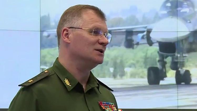 El representante oficial del Ministerio de Defensa de Rusia, general mayor Ígor Konashénkov, durante una rueda de prensa sobre la situación en Siria