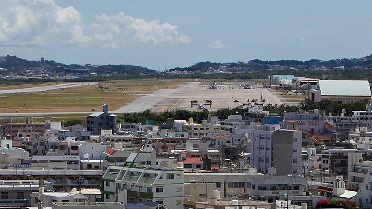 Aviones militares en la base militar de EE.UU., en la ciudad de Ginowan, Japón