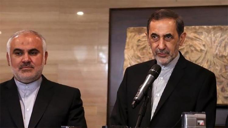 Ali Akbar Velayati, alto consejero en asuntos internacionales del líder supremo de Irán, el ayatolá Alí Jamenei, habla durante una rueda de prensa tras una reunión con el portavoz del Parlamento libanés, Nabih Berri, en Beirut