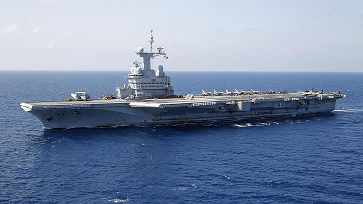 Francia enviará buques y el portaviones Charles de Gaulle para luchar contra el Estado Islámico